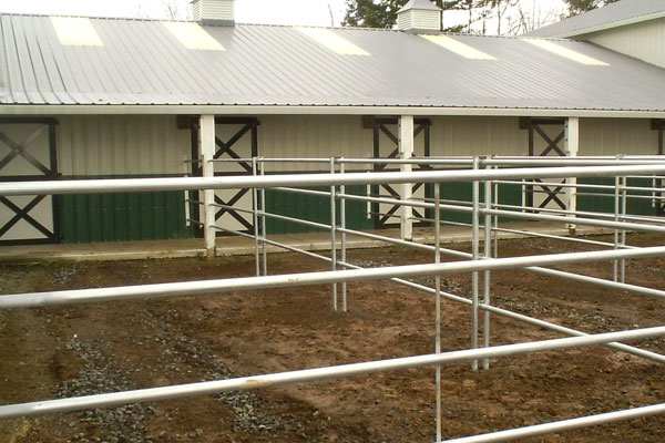 4 rail steel corral farm fence