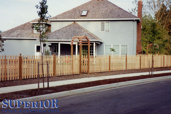 4' tall picket fence