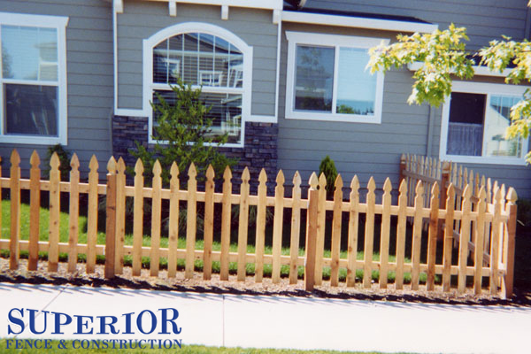 4' tell picket fence