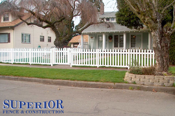 Straight wide picket vinyl fence - Superior Fence